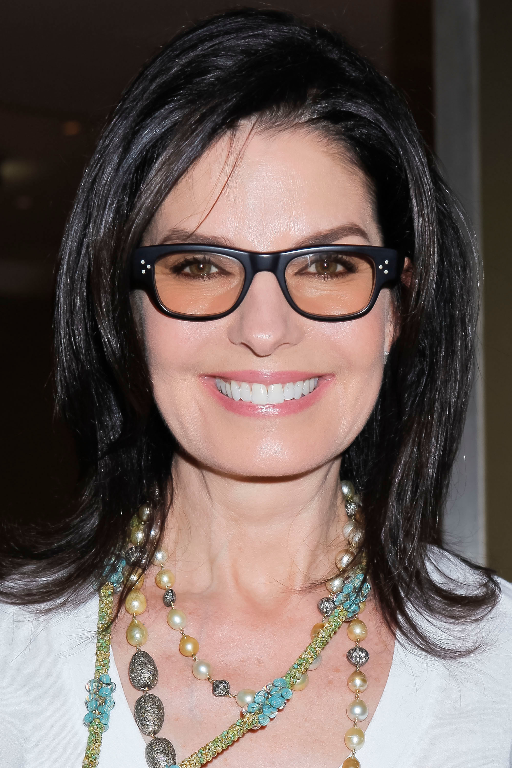 Haircuts For Women Over 50 With Glasses Stylebistro