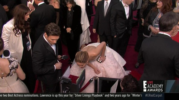 Jennifer Lawrence Stuns in Dior, Sticks Her Head In E!'s Mani Cam at the Oscars [PHOTOS]