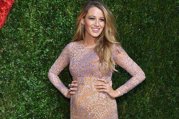 Blake Lively's First Red Carpet Walk as a Mommy-To-Be