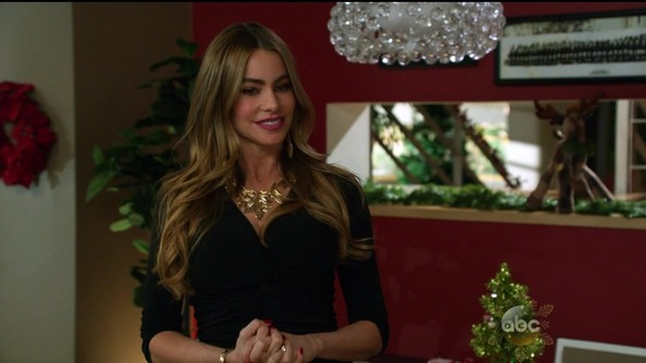 Sofia Vergara's Holiday Look on 'Modern Family'