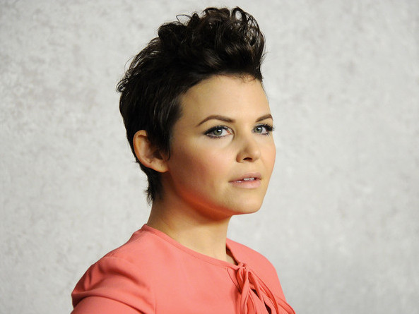 ginnifer goodwin nude with her legs spread