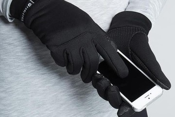 Current Obsession: Fabletics Tech Gloves