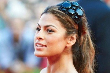 Hair Accessory Inspiration Courtesy of Eva Mendes