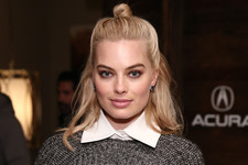 Hair Envy: Margot Robbie's Downtown Cool Half Updo