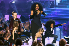 Let Diana Ross' Grandkids Dancing at the AMAs Melt Your Cold, Icy Heart