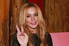 Lindsay Lohan Brings Peace to NYC