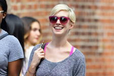 Anne Hathaway Proves That Blondes Do Have More Fun