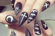Halloween Nails So Cool They'll Give You Chills