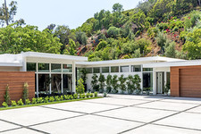 Cindy Crawford Drops A Fortune On A New Beverly Hills Home