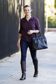 Amy Smart kept things casual and cute in this country-girl-gone-city street look.
