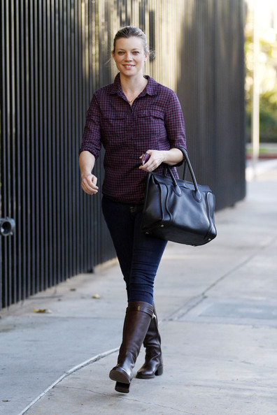 More Pics of Amy Smart Button Down Shirt (3 of 20) - Button Down Shirt Lookbook - StyleBistro
