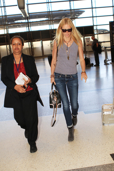 More Pics of Gwyneth Paltrow Leather Bowler Bag (3 of 13) - Gwyneth Paltrow Lookbook - StyleBistro