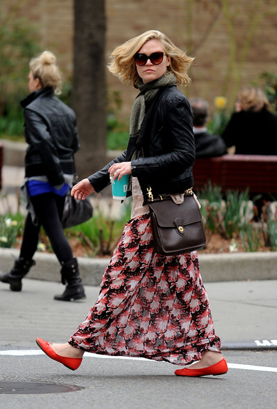 More Pics of Julia Stiles Long Skirt (1 of 11) - Dresses & Skirts Lookbook - StyleBistro