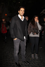 Eli Roth looked stylish and cozy at the same time in a classic black pea coat.