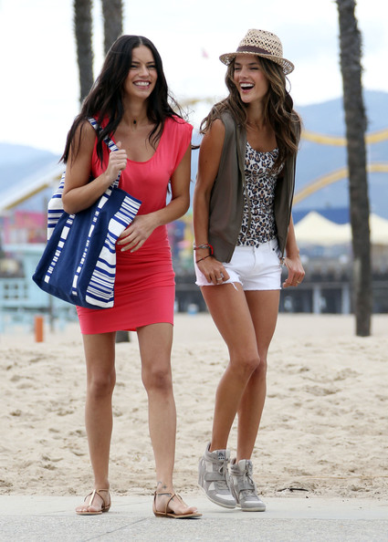 More Pics of Alessandra Ambrosio Tank Top (5 of 40) - Tank Top Lookbook - StyleBistro