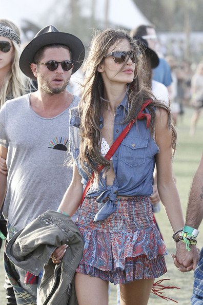 More Pics of Alessandra Ambrosio Mini Skirt (1 of 9) - Mini Skirt Lookbook - StyleBistro