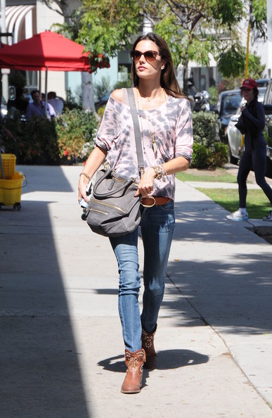 More Pics of Alessandra Ambrosio Off-the-Shoulder Top (1 of 10) - Off-the-Shoulder Top Lookbook - StyleBistro