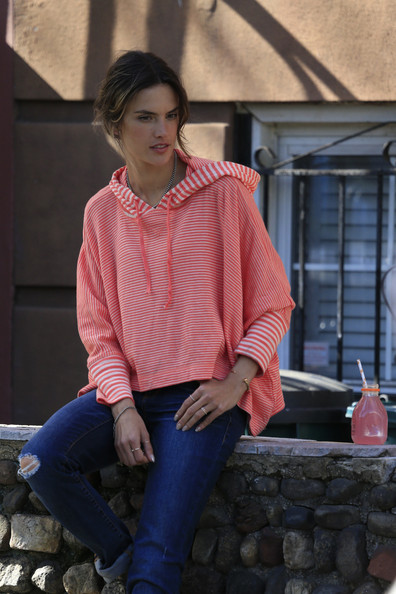 More Pics of Alessandra Ambrosio Skinny Jeans (1 of 19) - Alessandra Ambrosio Lookbook - StyleBistro