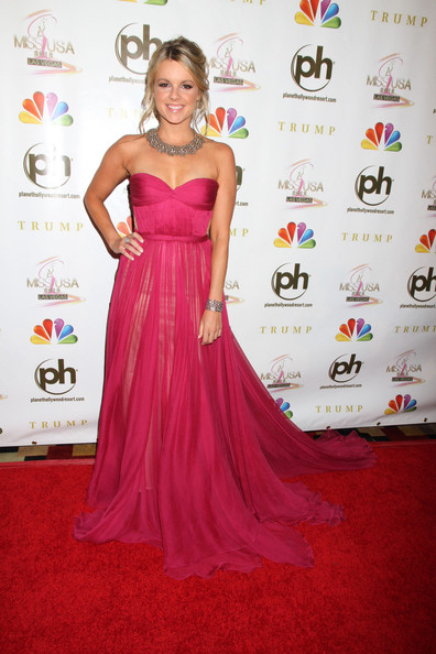 Ali Fedotowsky Strapless Dress