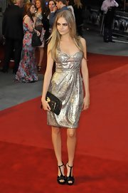 Cara Delevingne opted for T-strapped platform sandals at the 'Anna Karenina' premiere.