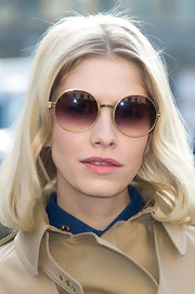 Elena Perminova channeled some retro style with these oversized round sunglasses.