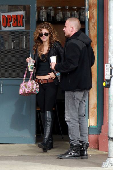 More Pics of AnnaLynne McCord Printed Tote (1 of 16) - AnnaLynne McCord Lookbook - StyleBistro