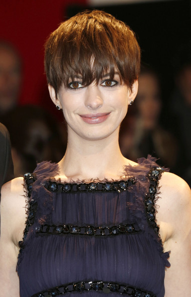 More Pics of Anne Hathaway Short Cut With Bangs (5 of 13) - Anne Hathaway Lookbook - StyleBistro
