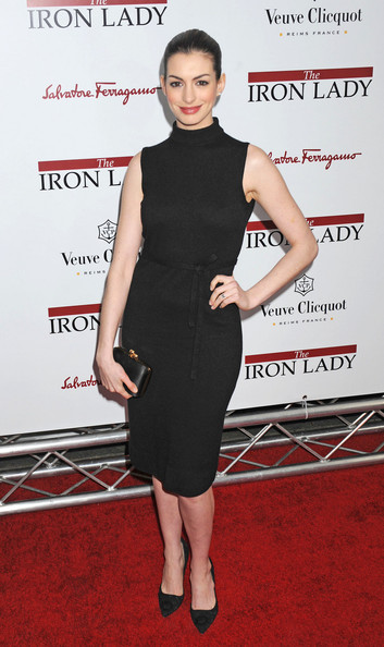 More Pics of Anne Hathaway Box Clutch (1 of 2) - Anne Hathaway Lookbook - StyleBistro