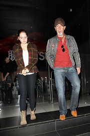 Stella Banderas tucked her skinny jeans into well-worn boots during a dinner with her dad, Antonio Banderas.