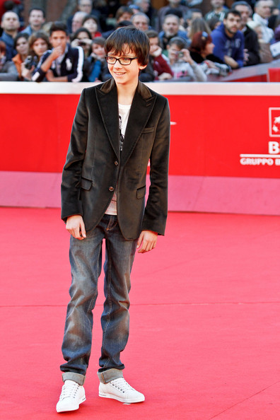 Asa Butterfield Clothes