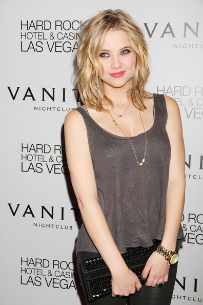 More Pics of Ashley Benson Medium Wavy Cut (3 of 7) - Ashley Benson Lookbook - StyleBistro