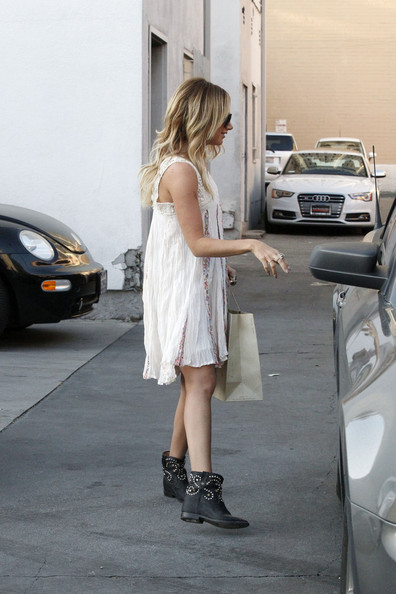More Pics of Ashley Tisdale Day Dress (1 of 13) - Ashley Tisdale Lookbook - StyleBistro