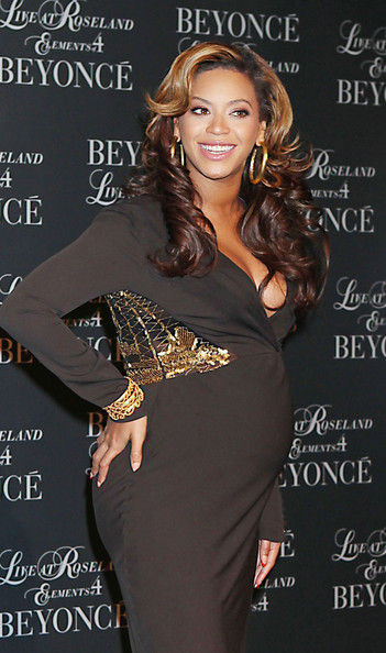 More Pics of Beyonce Knowles Gold Hoops (1 of 15) - Beyonce Knowles Lookbook - StyleBistro