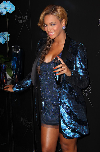 Beyonce Knowles Bright Nail Polish