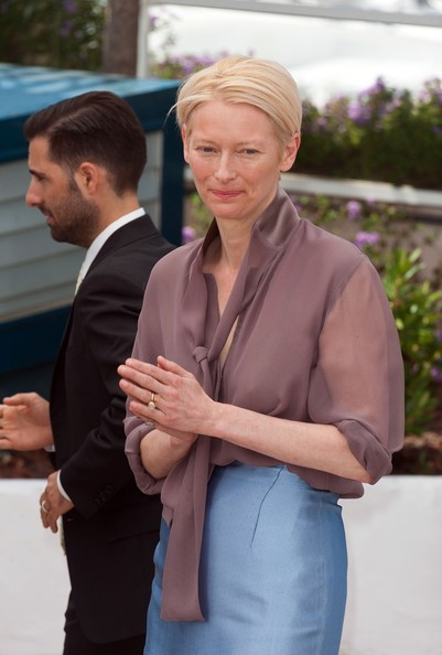 More Pics of Tilda Swinton Button Down Shirt (4 of 4) - Tilda Swinton Lookbook - StyleBistro