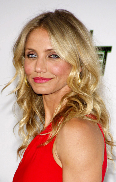More Pics of Cameron Diaz Pink Lipstick (1 of 9) - Cameron Diaz Lookbook - StyleBistro