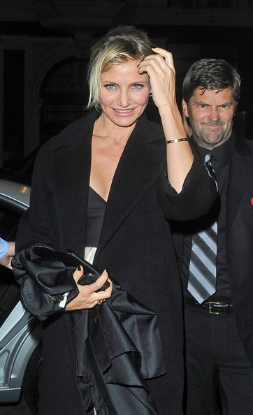 More Pics of Cameron Diaz Evening Coat (5 of 8) - Cameron Diaz Lookbook - StyleBistro