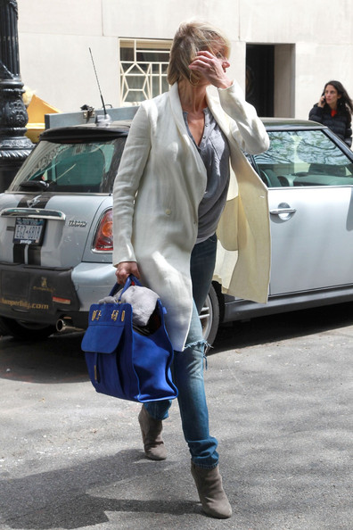 More Pics of Cameron Diaz Leather Tote (1 of 3) - Cameron Diaz Lookbook - StyleBistro