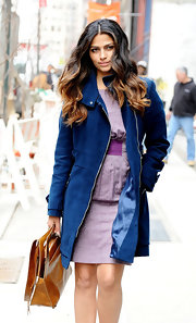 Camila Alves was spotted out and about in NYC looking camera ready. Her center parted curls were perfectly curled and looked glamourous as they blowed through the wind.