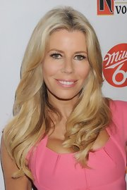 Aviva Drescher wore her long tresses down, but this time in soft waves with a hint of ombre color.