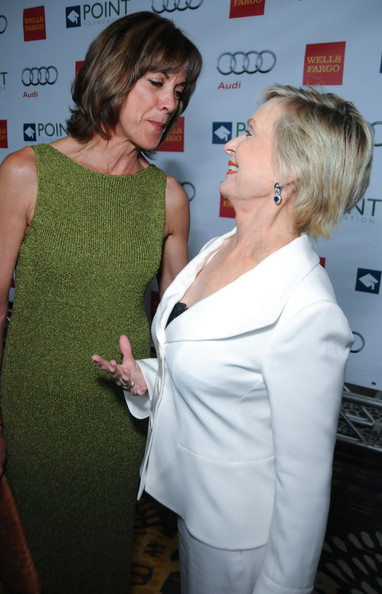 More Pics of Florence Henderson Short Side Part (1 of 8) - Florence Henderson Lookbook - StyleBistro []