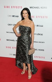 Catherine looked her glamorous self in this strapless fishtail dress at the premiere of 'Side Effects.'