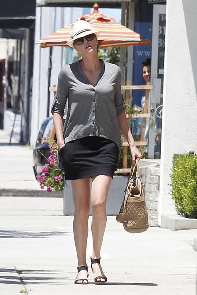 More Pics of Charlize Theron Cardigan (3 of 22) - Charlize Theron Lookbook - StyleBistro
