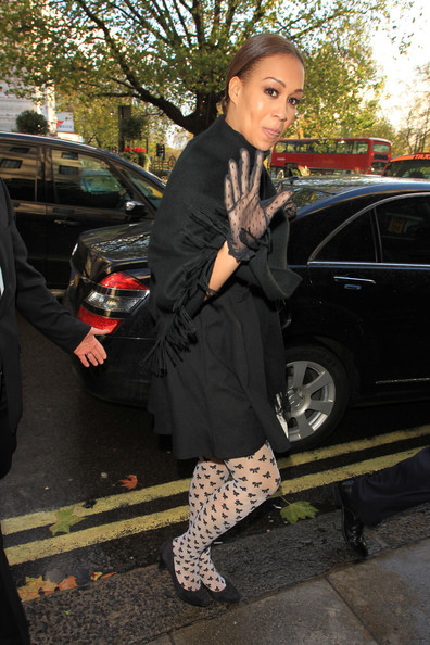More Pics of Rebecca Ferguson Lace Gloves (1 of 4) - Rebecca Ferguson Lookbook - StyleBistro