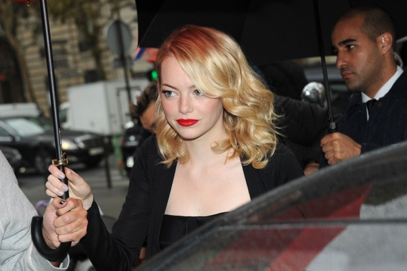 More Pics of Emma Stone Red Lipstick (1 of 2) - Emma Stone Lookbook - StyleBistro