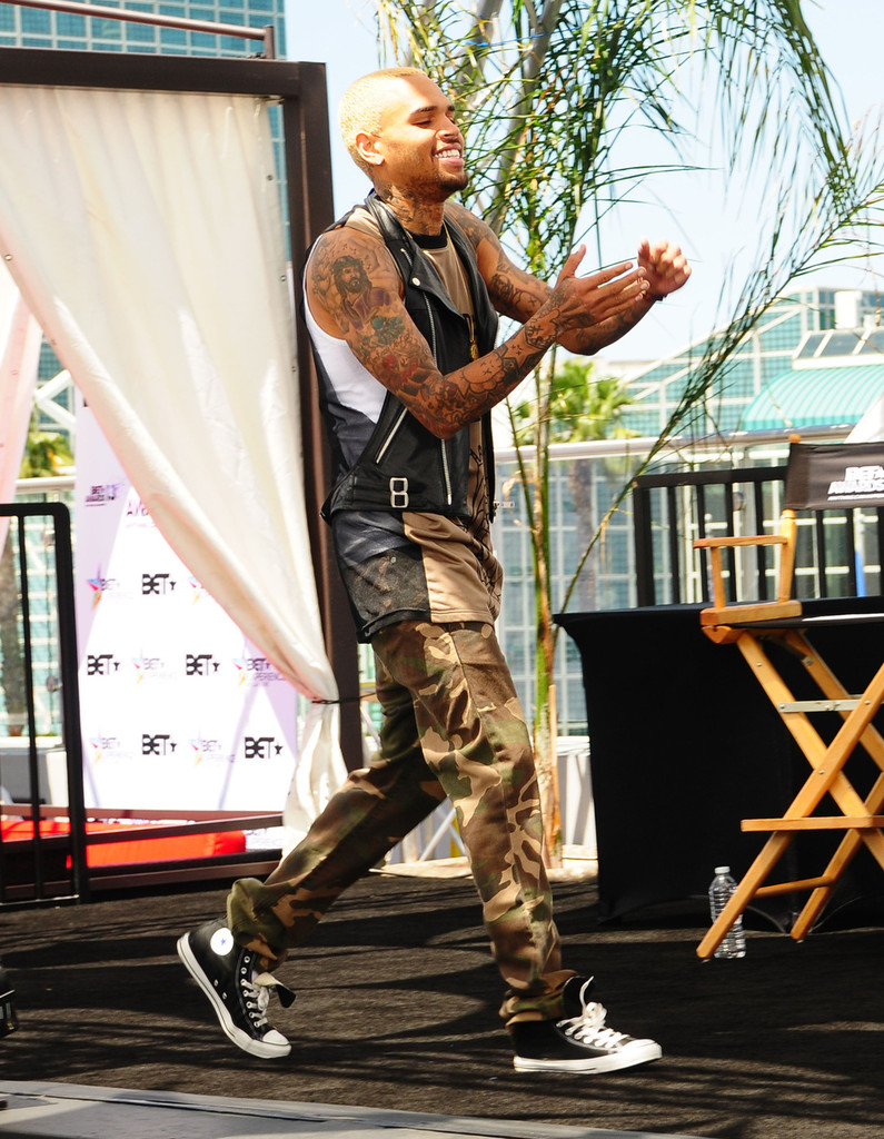 Chris Brown carrying the Alexander Wang 2013 backpack ... |Chris Brown Fashion Style 2013