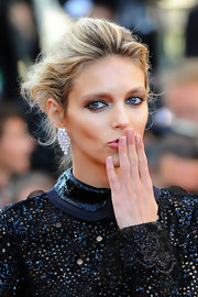 Anja Rubik fixed her hair in a romantic loose updo at the premiere of 'This Must be the Place.'
