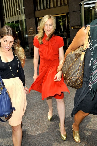 More Pics of Piper Perabo Pumps (7 of 9) - Pumps Lookbook - StyleBistro