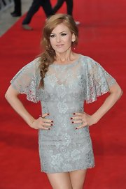 Isla Fisher had a rich red manicure for the London premiere of 'The Dictator.'