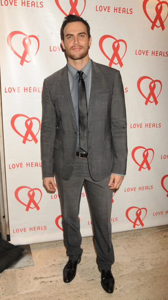 Cheyenne Jackson opted for a classic look with this gray suit and matching gray tie.
